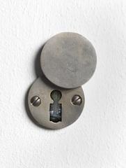 Keyhole, Roman Ondák