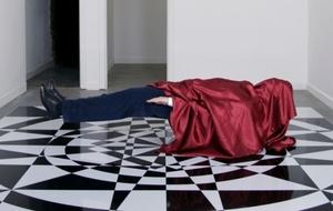 20120508145914-levitating_man2