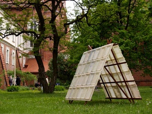 20120516070753-haystack