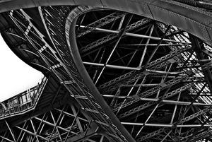 20120520064836-05-eiffel_tower_inside_1st_level-