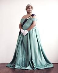 La Reina, Naufus Ramirez-Figueroa