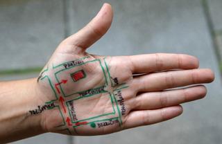 Meta Mapa, Yumi Roth