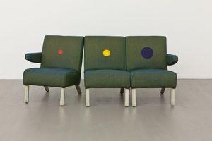 20121016031459-1348088223-furniture_sculptu