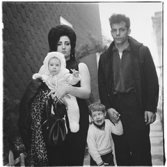 A young Brooklyn family going for a Sunday outing,Diane Arbus