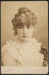 Sarah Bernhardt, Gaspard-Felix Tournachon Nadar