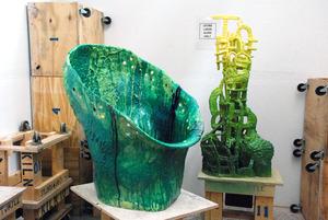 20140107231509-green_chair-man_done
