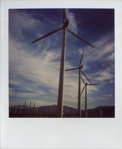 20121113033422-windmill