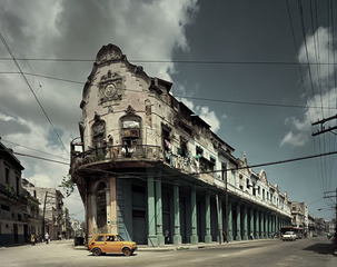 Yellow Car, Havana, Michael Eastman