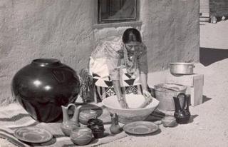 Margaret Tafoya demonstrating her techniques,