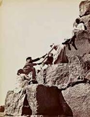 Ascent of the Great Pyramid, Félix Bonfils