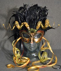 Golden Gargoyle, Erik Attia