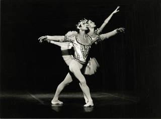 Rudolf Nureyev and Noëlla Pontois in La Bayadère, Palais Garnier,