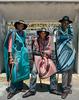 20130227114452-africantextiles_busstop_304x384