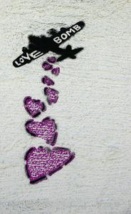 20130305005959-love_bombing_