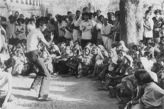 Safdar Hashmi performing in a Janam street play ,