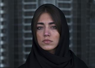 Look, Newsha Tavakolian