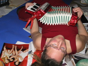 20130401032656-paris-death_of_my_heart_with_accordion