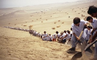 """When Faith Can Move Mountains"" ,Francis Alÿs"