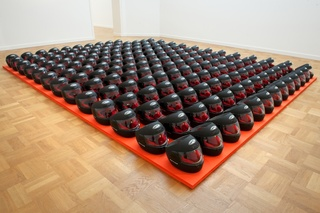 Zaalfoto tentoonstelling Framis in Progress in het MMKA 2013 met het werk Guantanamo Museum , Alicia Framis