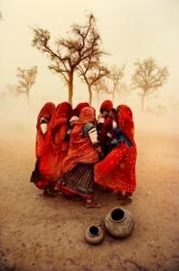 20130613192736-mccurry___steve_dust_storm-india