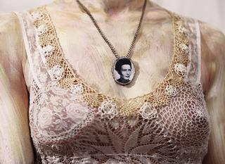 Mona V, Simone de Beauvoir, Sabine Dehnel