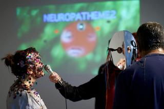 Welcome Neuropatheme Feedback Loops, Plastique Fantastique