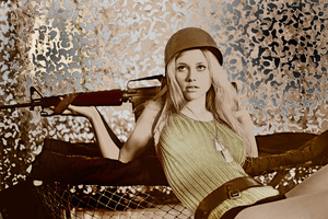 20130623143241-_solarized-soldier-girl-repose-with-rifle-14-copy-3
