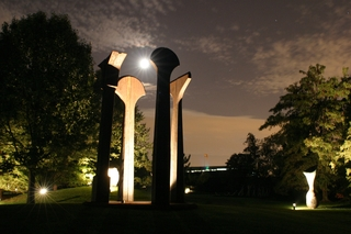 Split Ritual II (night view), Beverly Pepper