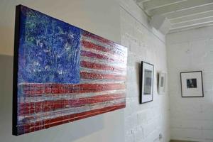 20130731134228-flag_small