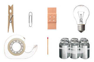 Heimliche Helden: Wäscheklammer, Pflaster, Büroklammer, Glühbirne, Klebeband, Streichholz, Multipack Carrier / Hidden Heroes: Clothespin, Adhesive Bandage, Paper Clip, Light Bulb, Adhesive Tape, Safety Match, Multipack Carrier,