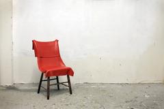 20131008231338-paintonachair