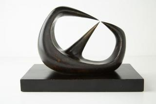 Three Points, Henry Moore