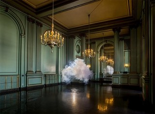 Nimbus Green Room, Berndnaut Smilde