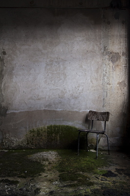 20140115193504-und-wieder-ein-stuhl