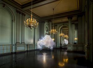 20140211144330-berndnaut_smilde__nimbus_green_room__2013__courtesy_the_artist_and_ronchini_gallery