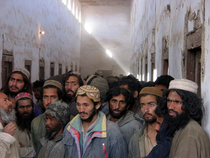11_taliban_prisoners__afghanistan__2001