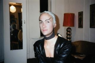 In Linda's apartment, Linda Simpson