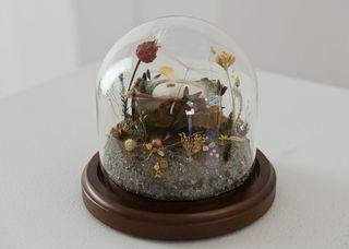Cradle Diorama, Lisa Wood