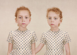 Sasha and Ruby, Loretta Lux