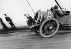 20150218233944-lartigue_jacques_henri_lartigue_racing_car-777x538