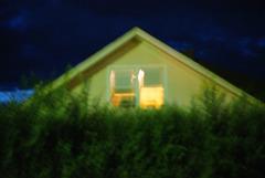 20150527223808-jk_lavin_full_moon_bungalow