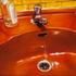 20151020073509-unsolved-case-4-schilderij10_oranje-lavabo