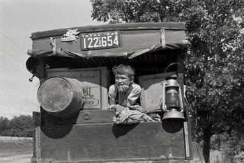 20151106161320-fsa-migrant-boy-texas-car-26531-700
