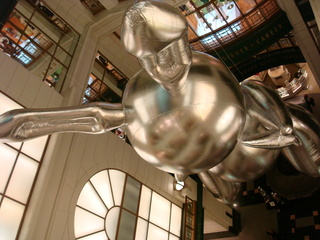 Jeff K\'s bunny at Macys,Jeff Koons