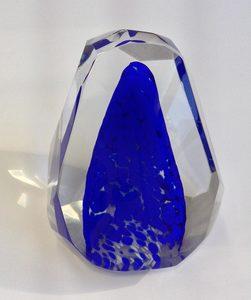 20160312045738-glass-sculpture-blue