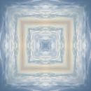 20160422102356-square_sky_small