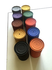 20160429113434-gloeckner_-zehn-blechb_chsen-in-zehn-farben_-um-1977-78
