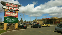 20160516041334-shopping_bend_or